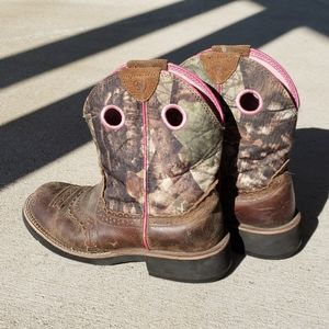 Women's Ariat Camouflage Boots